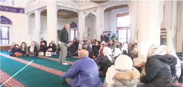 イスラム崇拝とそれを実行する方法 2 - 東京ジャーミー・ツアーイスラム講座 5アブドゥルカリーム下山茂 と アフマド・アルマンスール