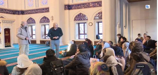 Q and A-イスラム崇拝とそれを実行する方法 東京ジャーミー・ツアーイスラム講座 5アブドゥルカリーム下山茂 と アフマド・アルマンスール