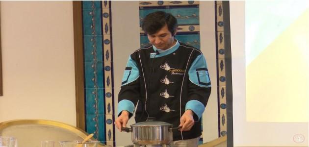 人参とグリーンピスの煮込み 3 - トルコ料理学校